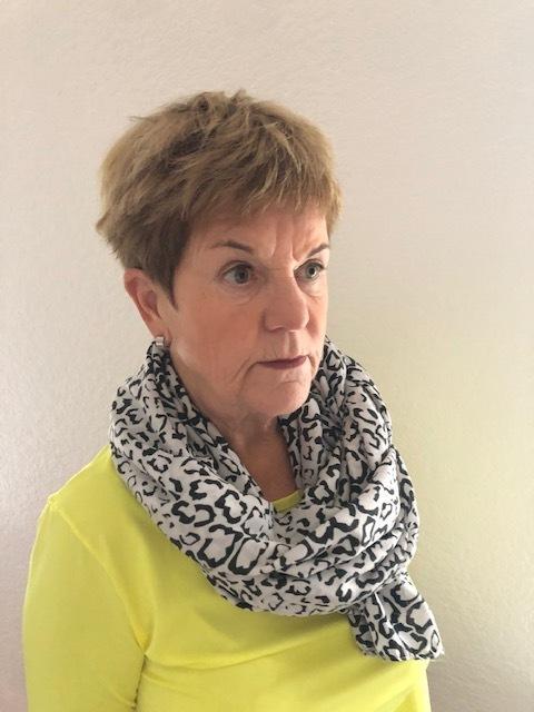 Eva Kristersson som just mist sin mamma tycker att de nya reglerna för begravningar är okänsliga och orimliga.