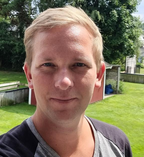 Henrik Nilsson från Åhus stod på Ica Maxis parkering när skyarna öppnade sig.