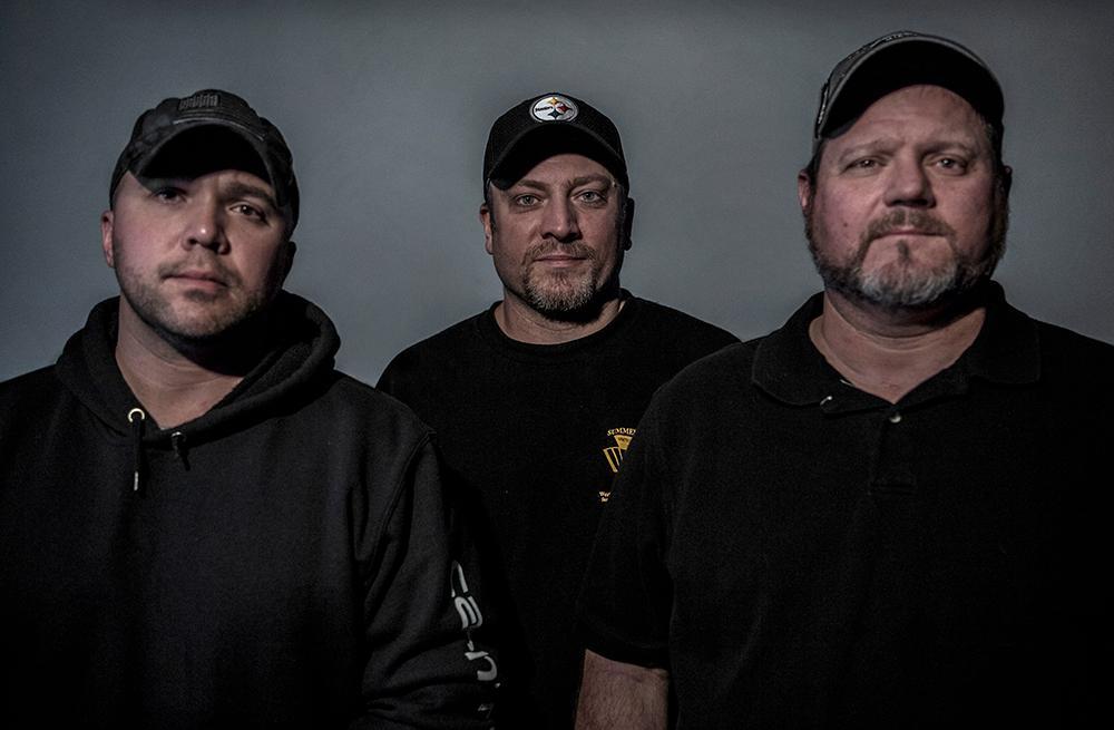 Ryan Heckler, Josh Shaw och James Stweart är kolgruvearbetare i Pennsylvania.