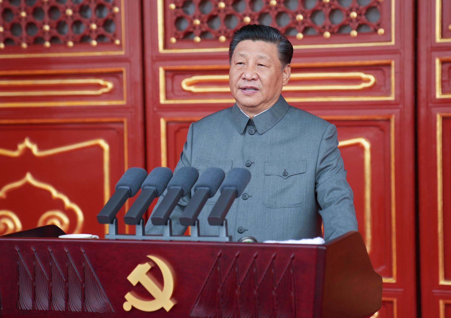 Xi Jinping under sitt tal när det kinesiska kommunistpartiet  firade 100 år.