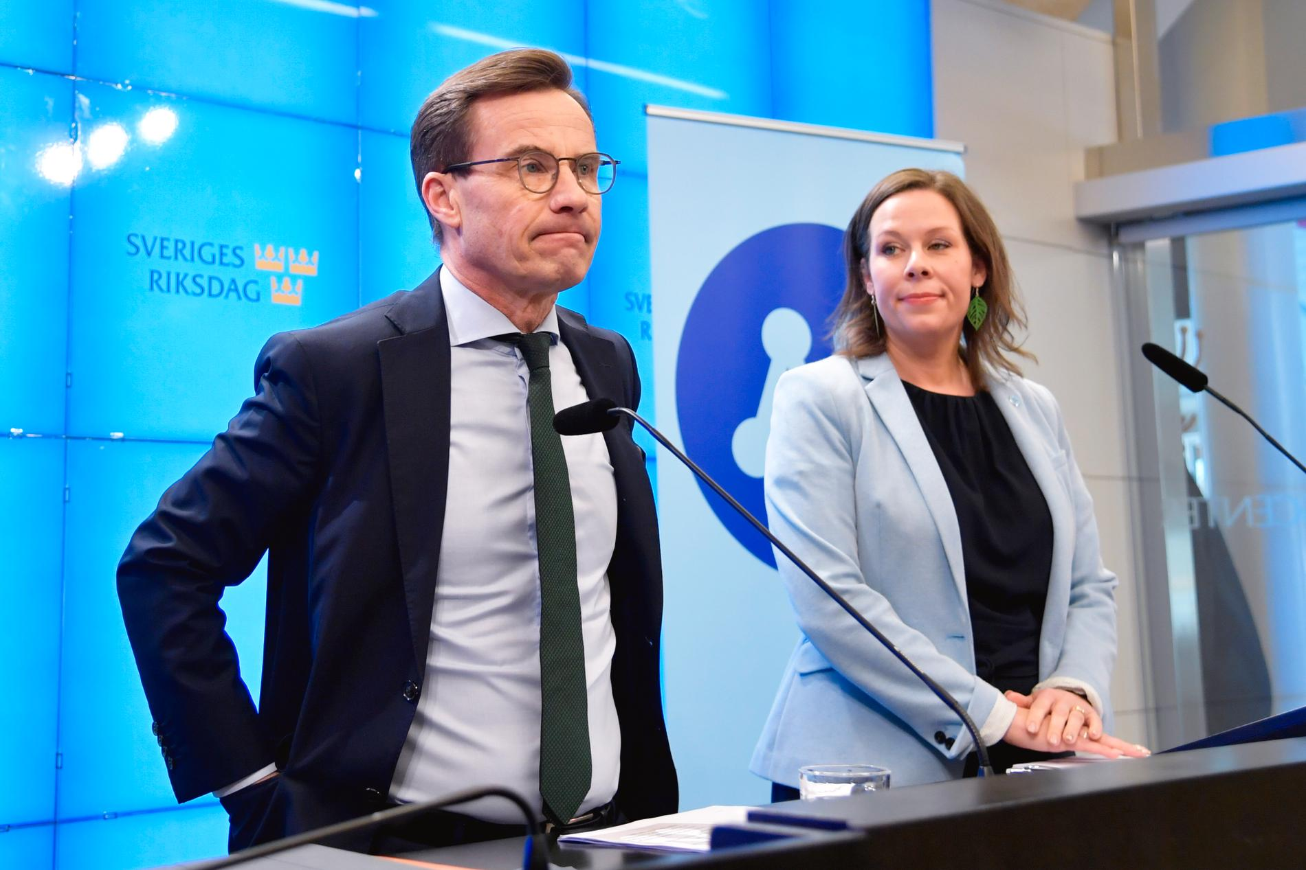 Moderaterna förhandlar om migrationen med Socialdemokraterna och de tidigare Allianspartierna.
