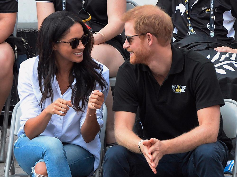 Harry och Meghan träffades på en blind date i London.
