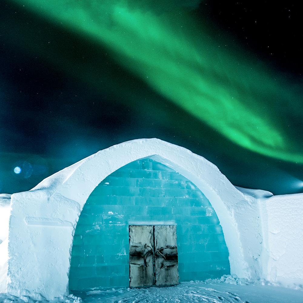 Icehotel i Jukkasjärvi får en svit med kunglig touch när prins Carl Philip designar konst i is och snö.