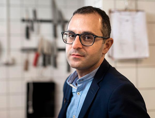 En tredjedel av all mat i världen slängs. Det vill årets pristagare av Win Win Gotheenburg Sustainability Award, Arash Derambarsh, ändra på.