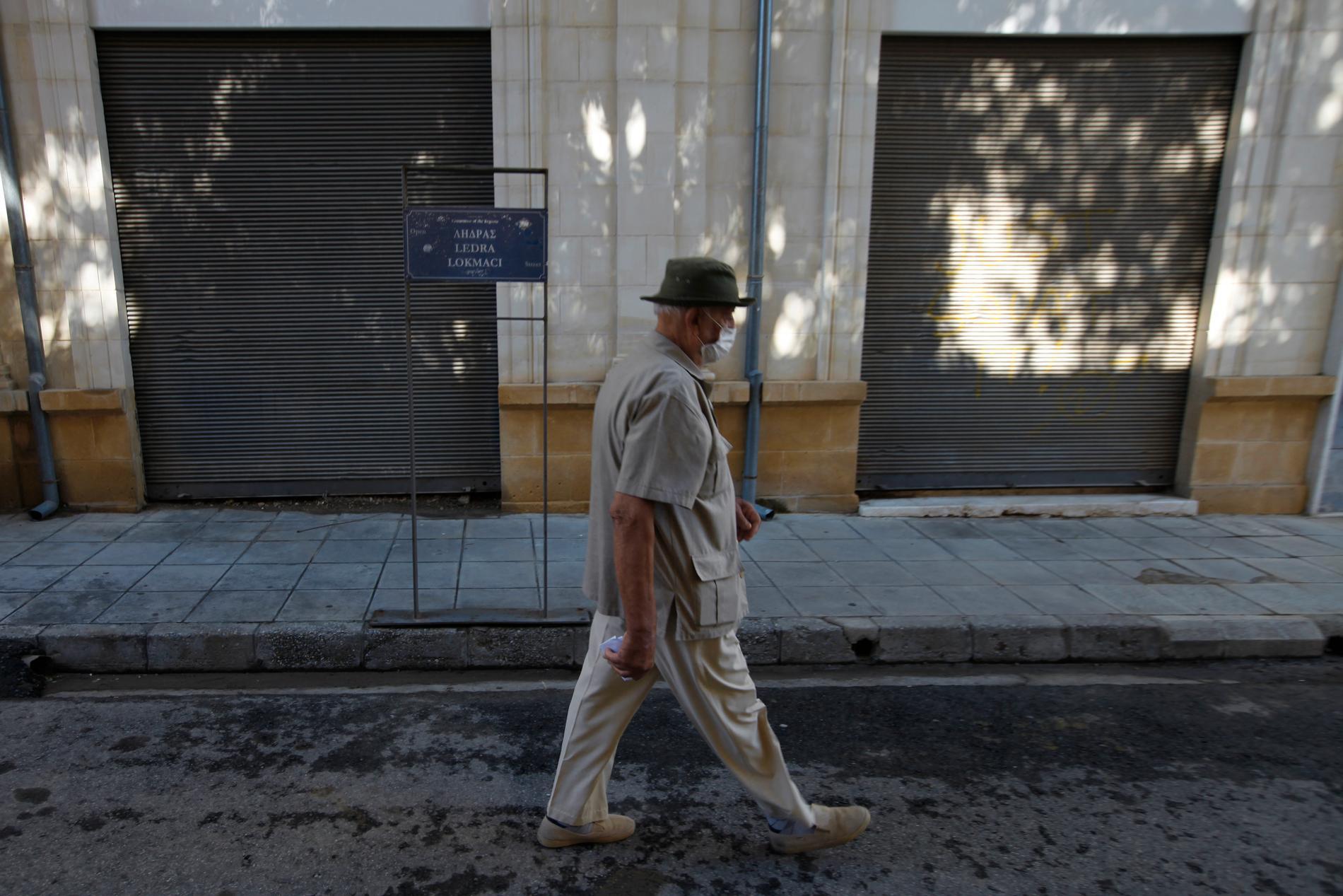 Äldre man i Cyperns huvudstad Nicosia.