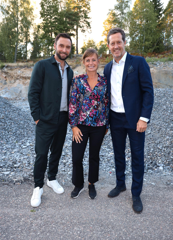 Måns Zelmerlöw, Magdalena Jennnstål, generalsekreterare för Zelmerlöw & Björkman Foundation, Jonas Björkman.