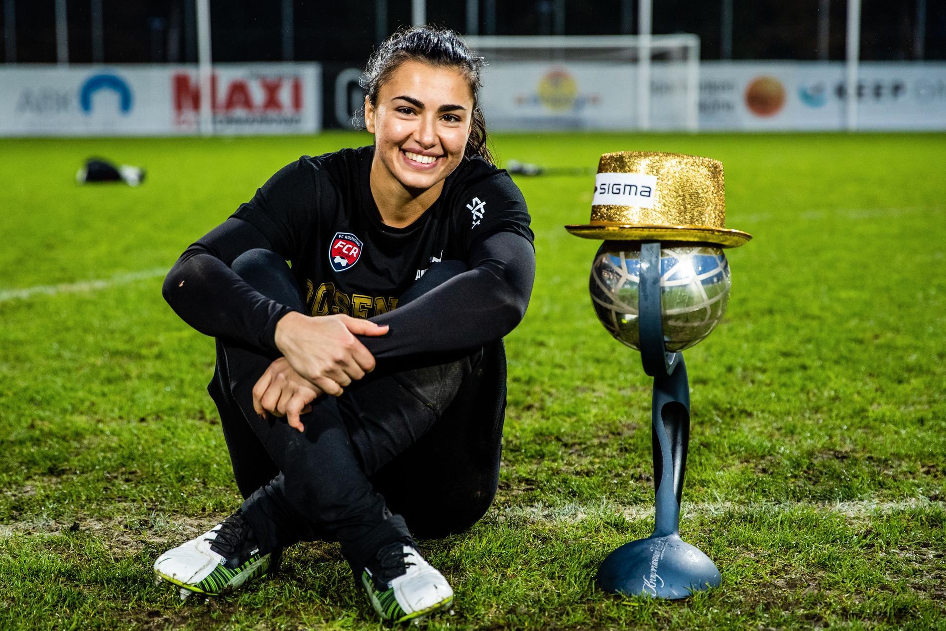 I höstas vann hon SM-guld med Rosengård.