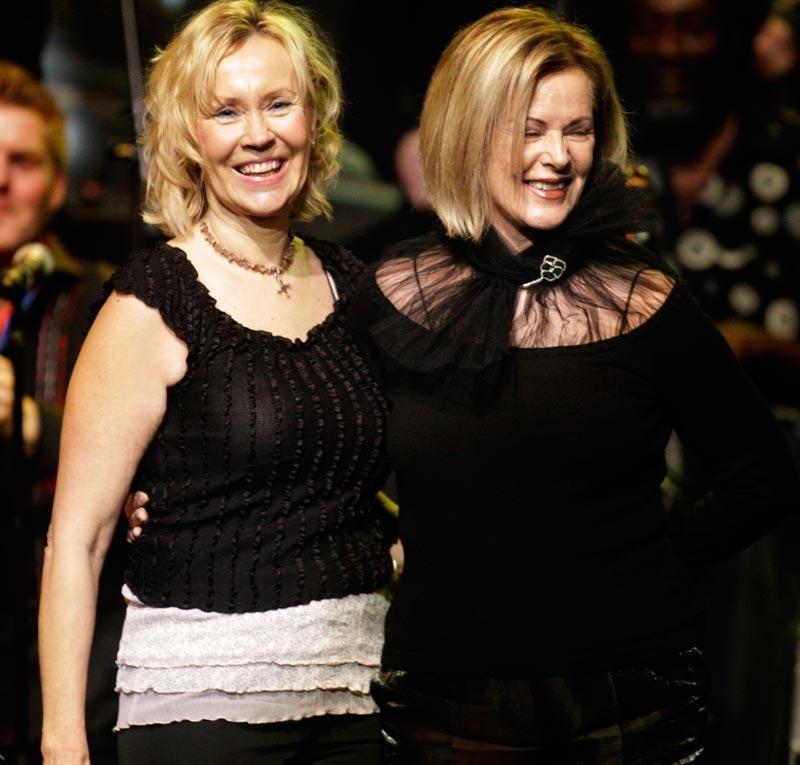 Delar av ABBA återförenades när Agnetha Fältskog och Anni-Frid Lyngstad möttes för att ta emot pris på Rockbjörnen-galan.