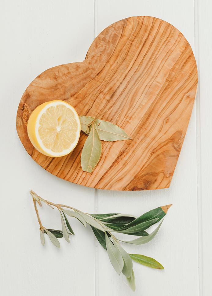 Träskärbräda i hjärtform