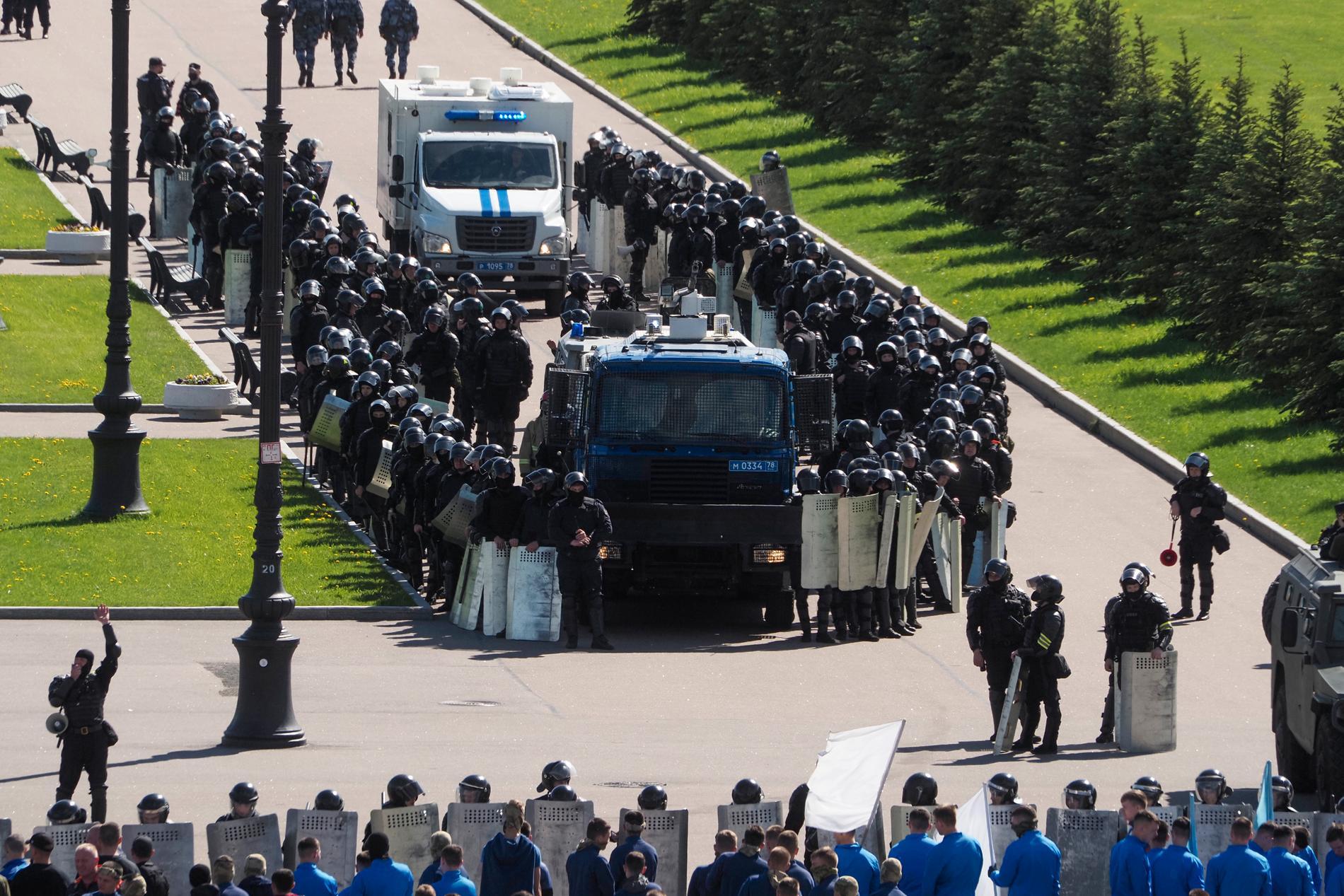 Rysk polis under en träning inför mästerskapet.