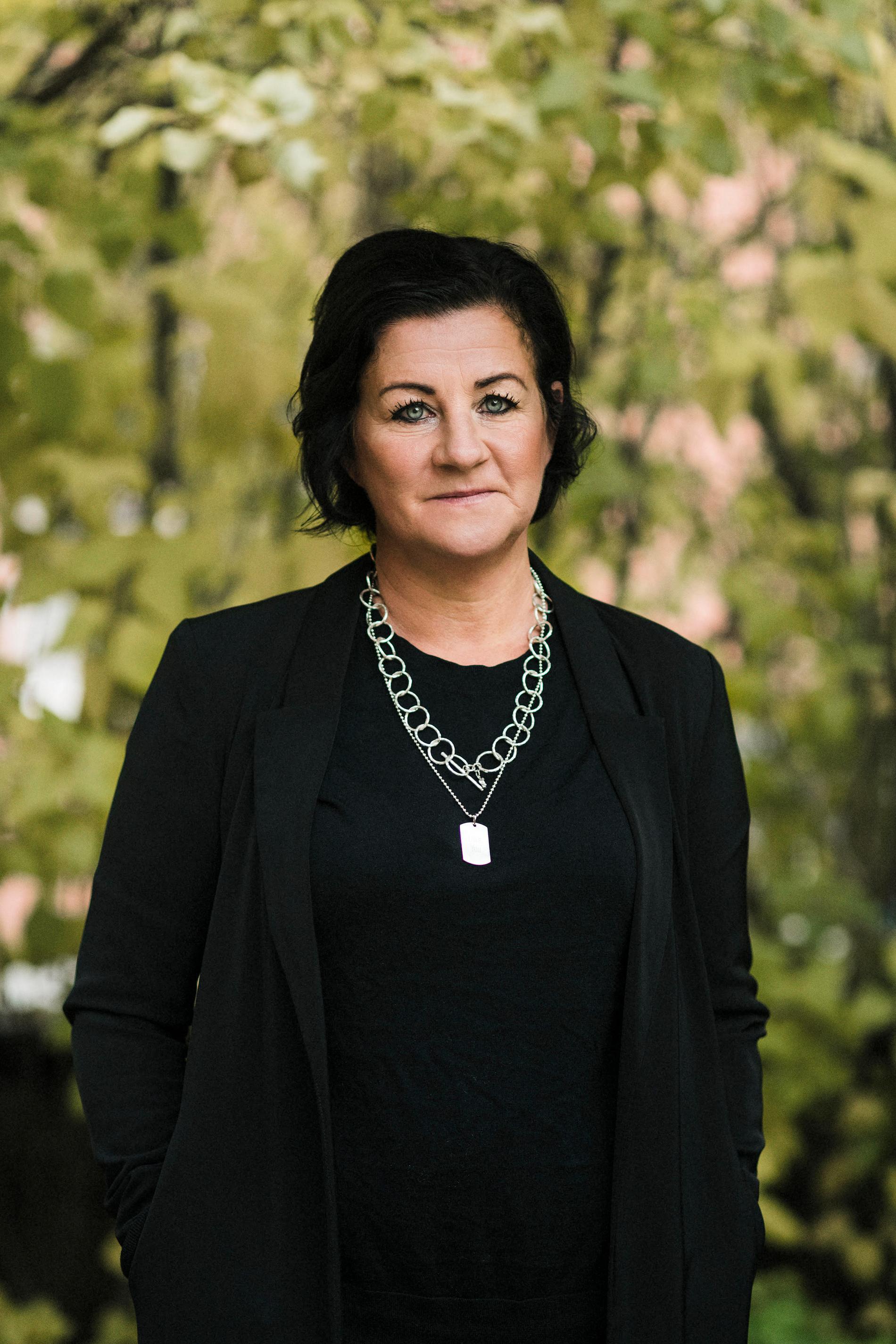 Anna-Karin Rybeck driver Safe-Care, ett skyddat boende för våld i nära relation, och är doktor i teoretisk psykiatri.