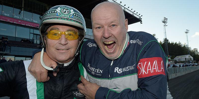 Stjärnkusken Johnny Takter och Timo Nurmos efter Kriterie-segern med Inti Boko under söndagen.