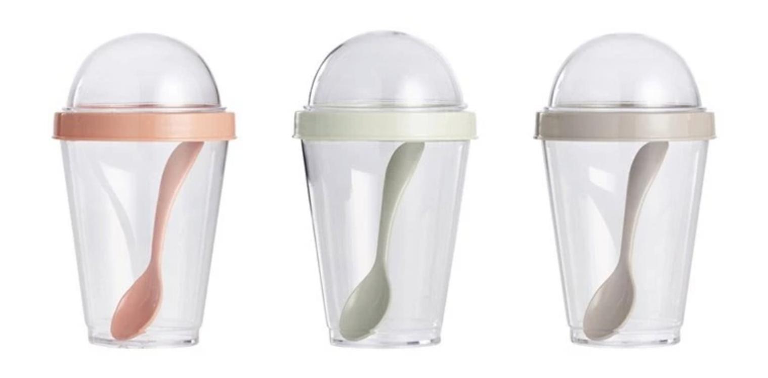 Yoghurtbehållare i plast