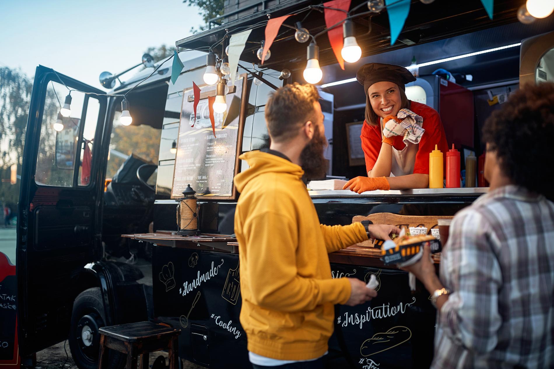 Det kan vara stor skillnad i kostnad mellan att starta en restaurang och att investera i en food truck.