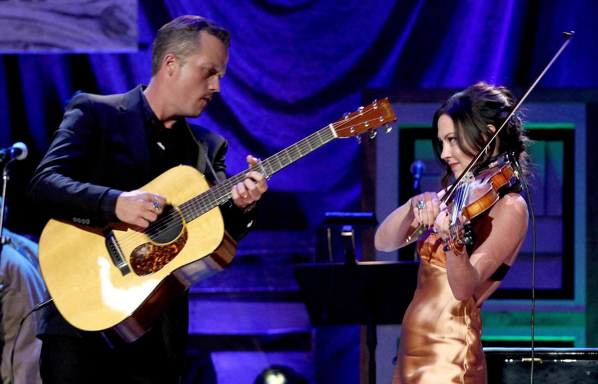 Jason Isbell, här med sin fru och artistkollega Amanda Shires, spelar med sitt band The 400 Unit i Stockholm i november.