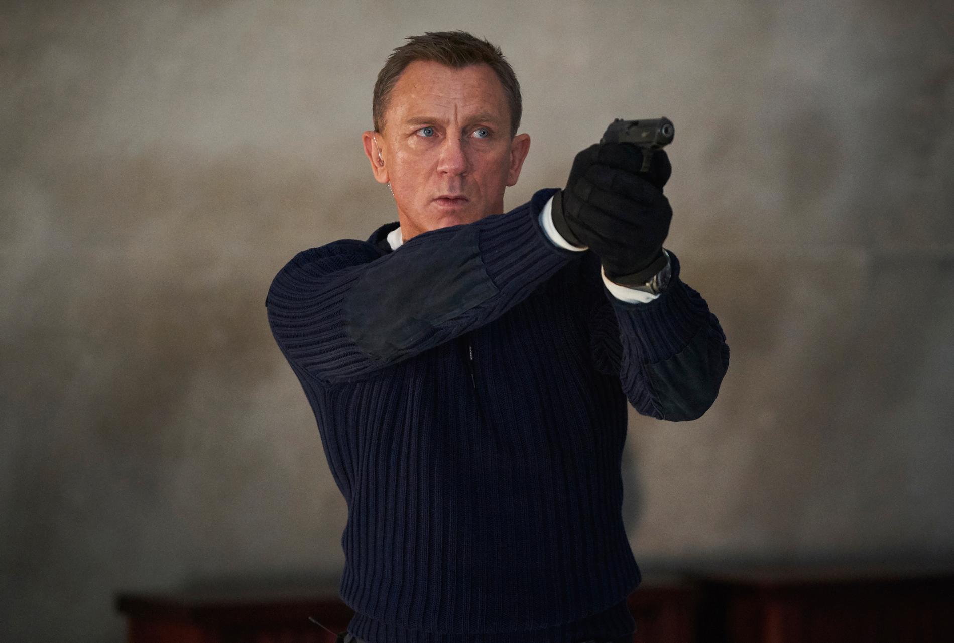 """Daniel Craig gör rollen som James Bond för sista gången i """"No time to die"""". Pressbild."""