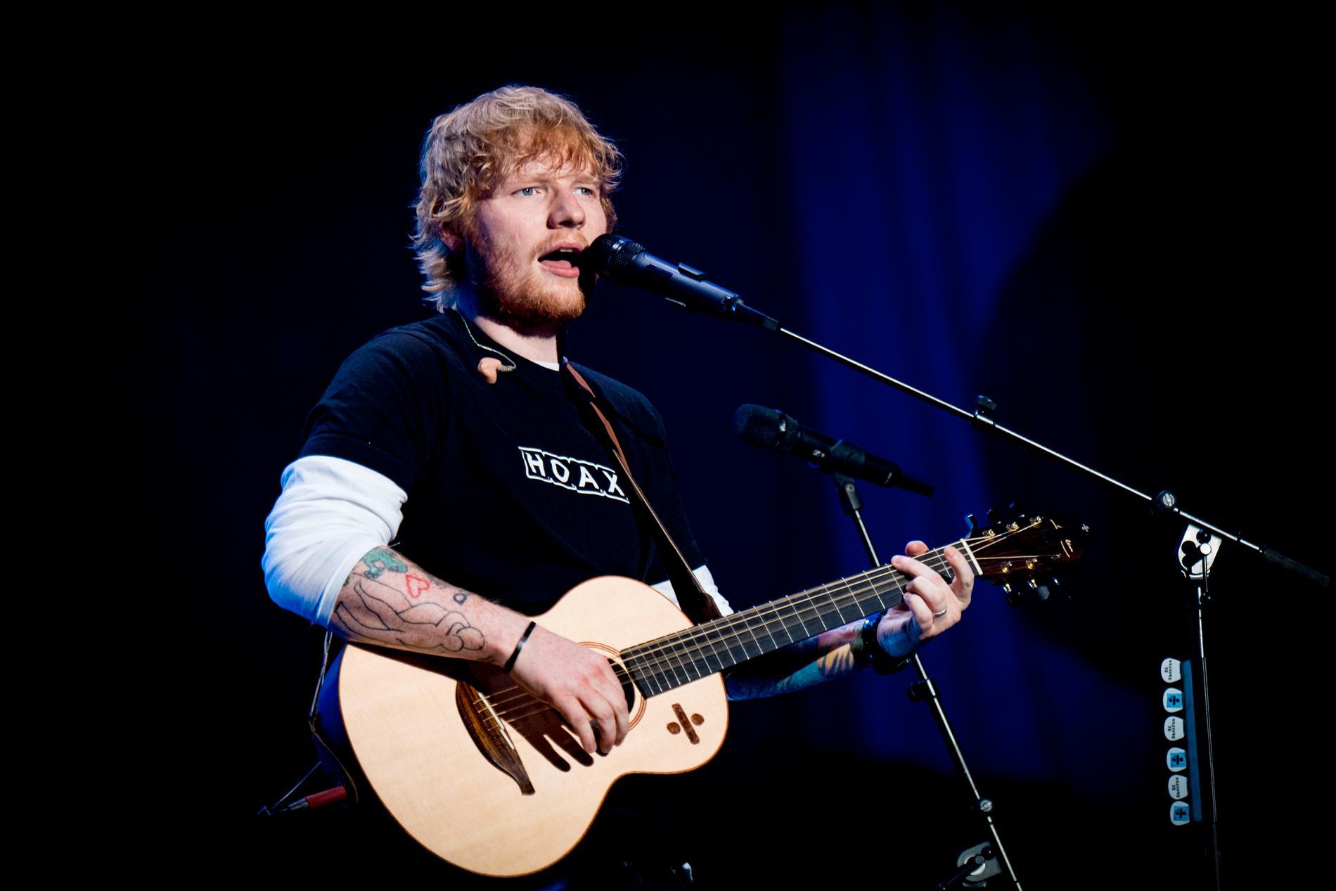 Ed Sheeran spelar i Sverige nästa år.