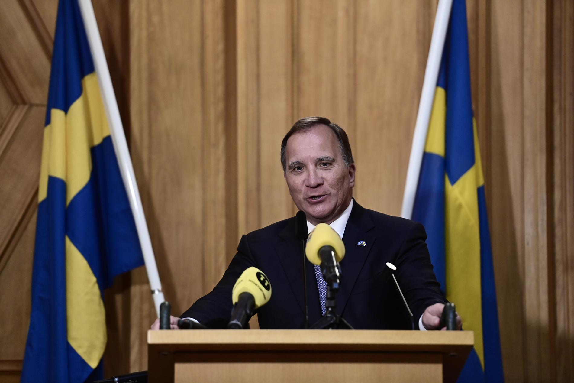 Stefan Löfven omvaldes till statsministern 16 dagar efter han avsatts.