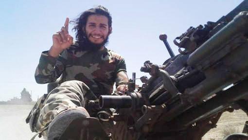 27-årige Abdelhamid Abaaoud har pekats ut som huvudmannen bakom attackerna i Paris.