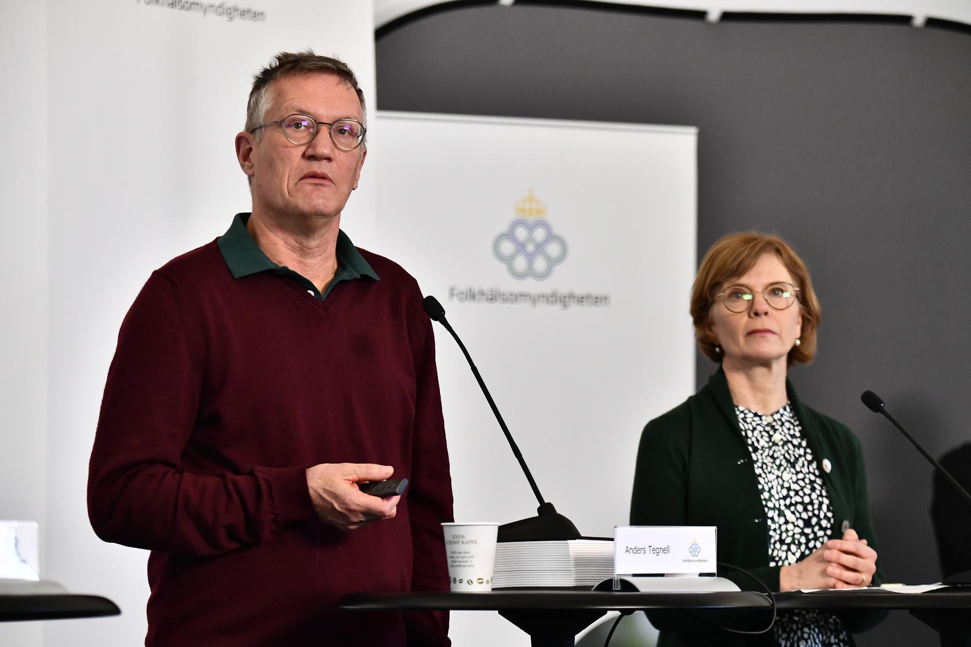 Statsepidemiolog Anders Tegnell och Maria Bergstrand, tillförordnad enhetschef operativ ledning på MSB.