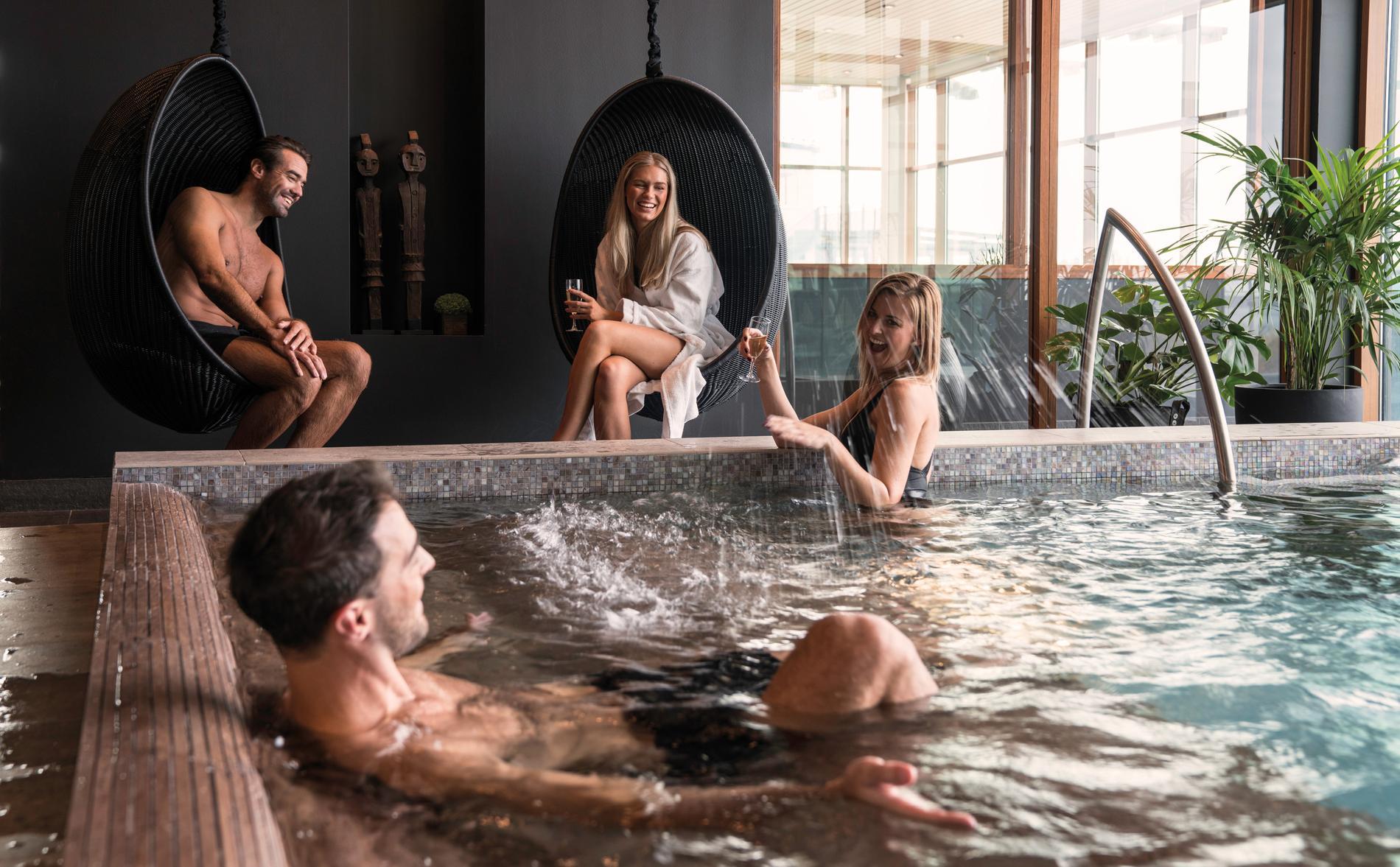 Vill du ha en spaupplevelse med lite mer partystämning är Hotel Tylösand det perfekta stället.