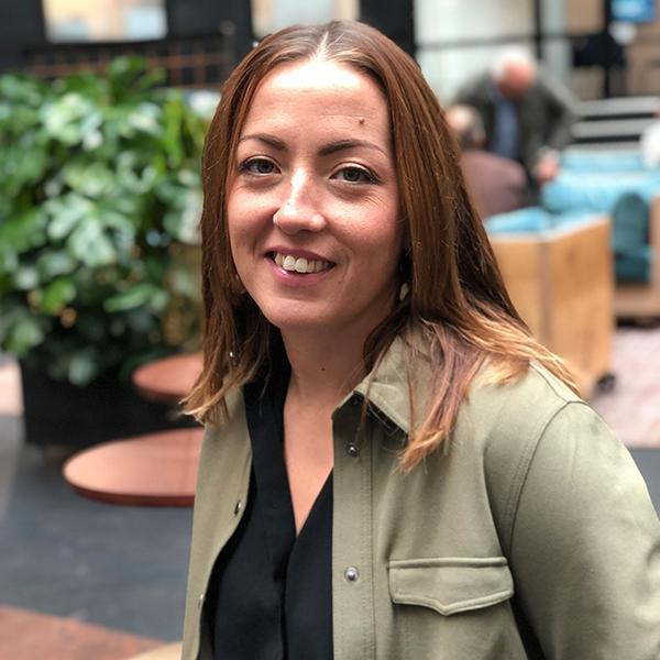 """""""Vi svenskar brukar ju internationellt betraktas som mogna och medvetna när det gäller klimatfrågor. Men relativt få svenskar betraktar minskat matsvinn som en viktig åtgärd mot klimatförändringarna, säger Helena Björklund, kommunikationschefpå Too good to go."""