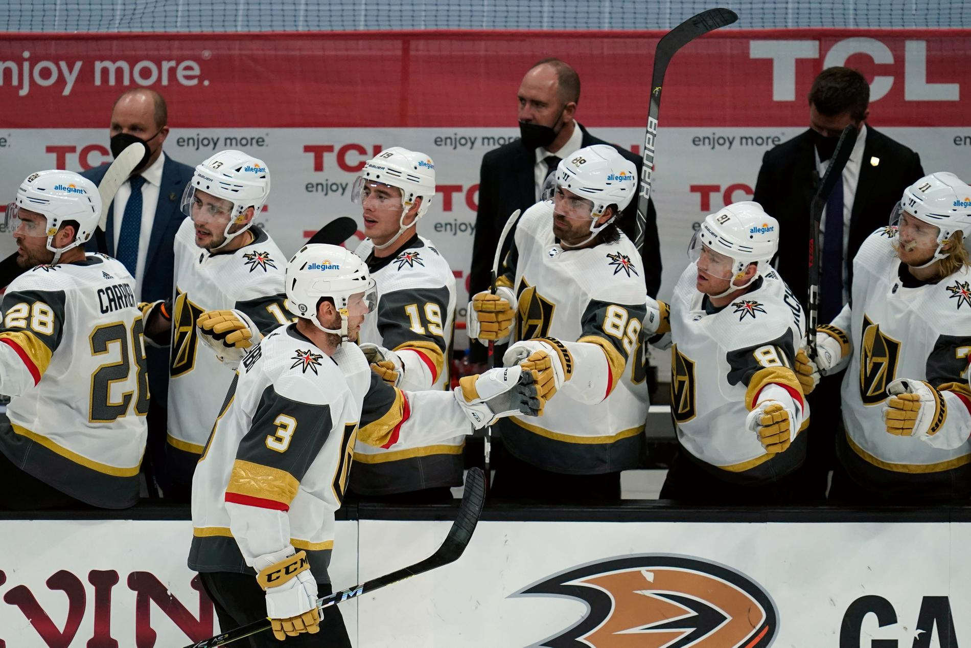 Vegas Golden Knights blev första lag att säkra en slutspelsplats.