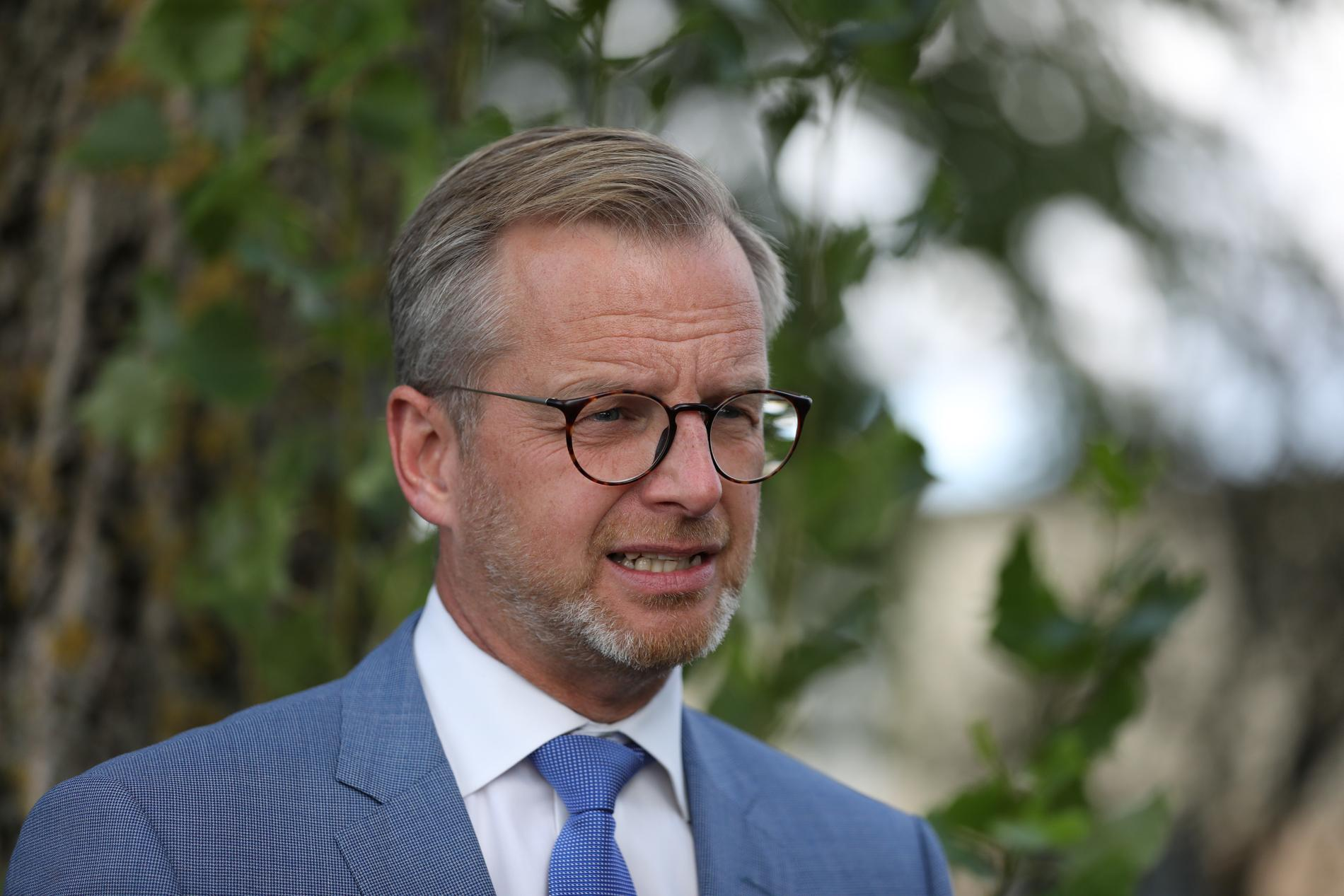 """""""Jag tror många människor som undrar varför Sverige, trots vårt jämställdhetsarbete, aldrig haft en kvinnlig statsminister"""", säger Mikael Damberg."""