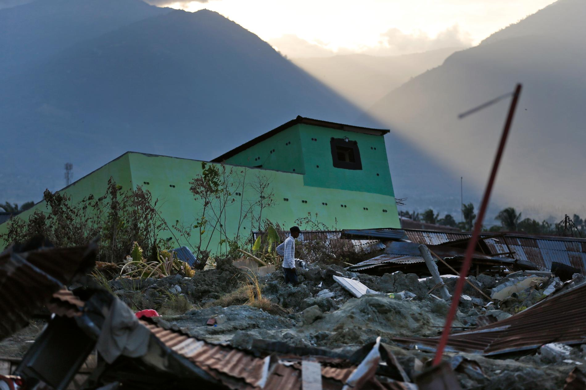 Många byggnader totalförstördes i naturkatastrofen som drabbade kuststaden Palu på den indonesiska ön Sulawesi för en dryg vecka sedan. Arkivbild.
