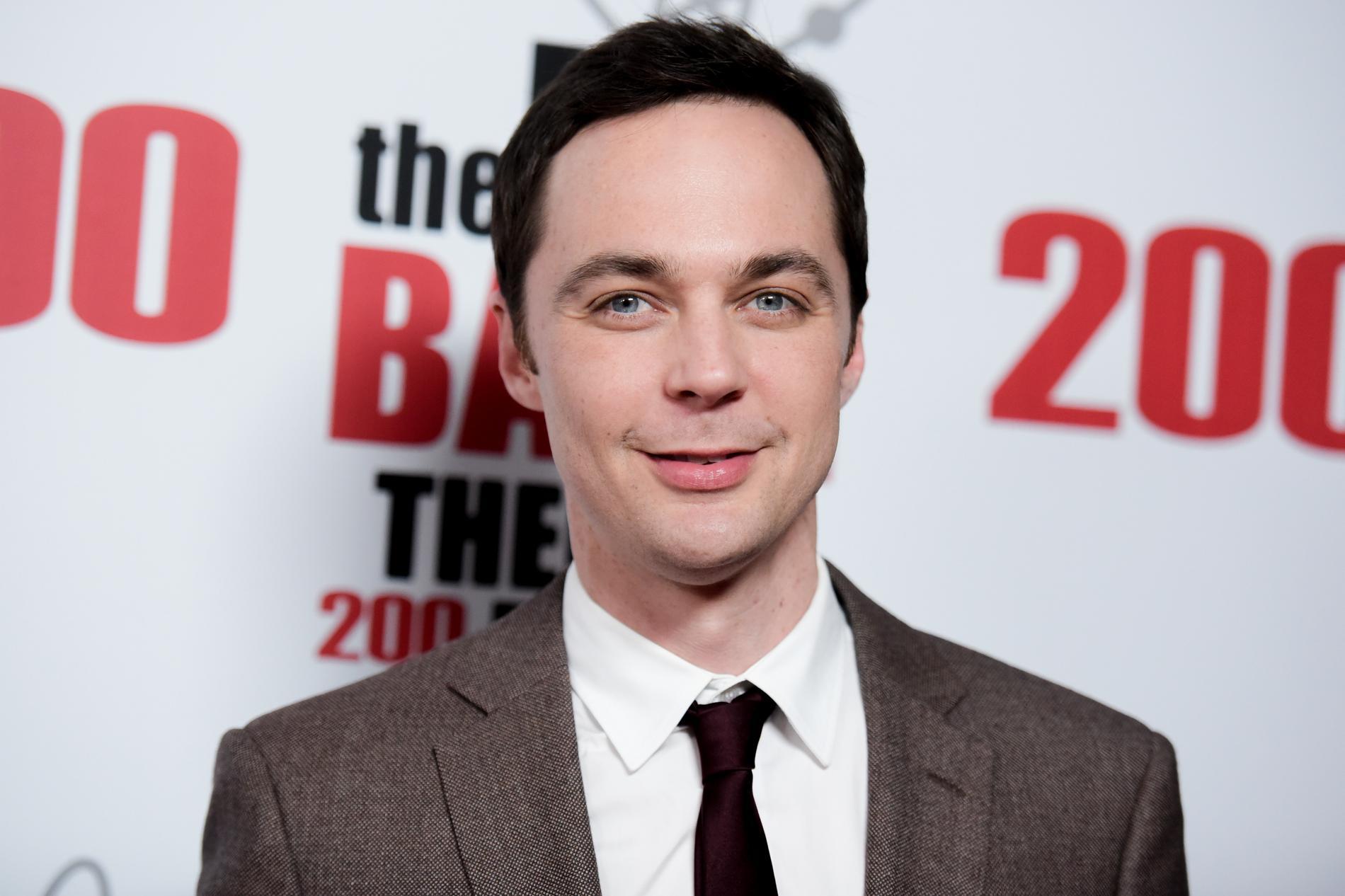 "Jim Parsons är mest känd som Sheldon i ""Big bang theory""."