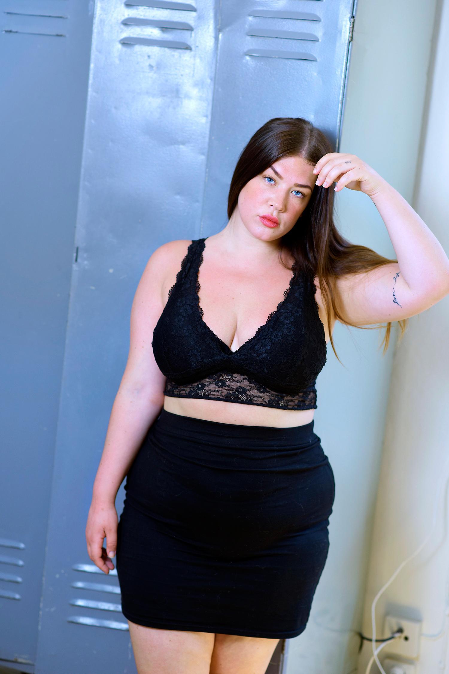 """Cassandra har slutat räkna kalorier och älskar sin kropp """"nästan varje dag""""."""