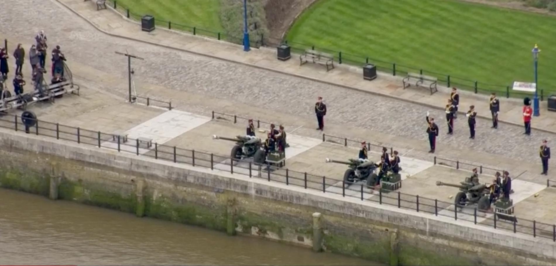 Prins Philip hyllas i Storbritannien