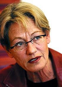 Rimmar illa Gudrun Schyman tycker inte att striptease passar sig på en Nobelfest.