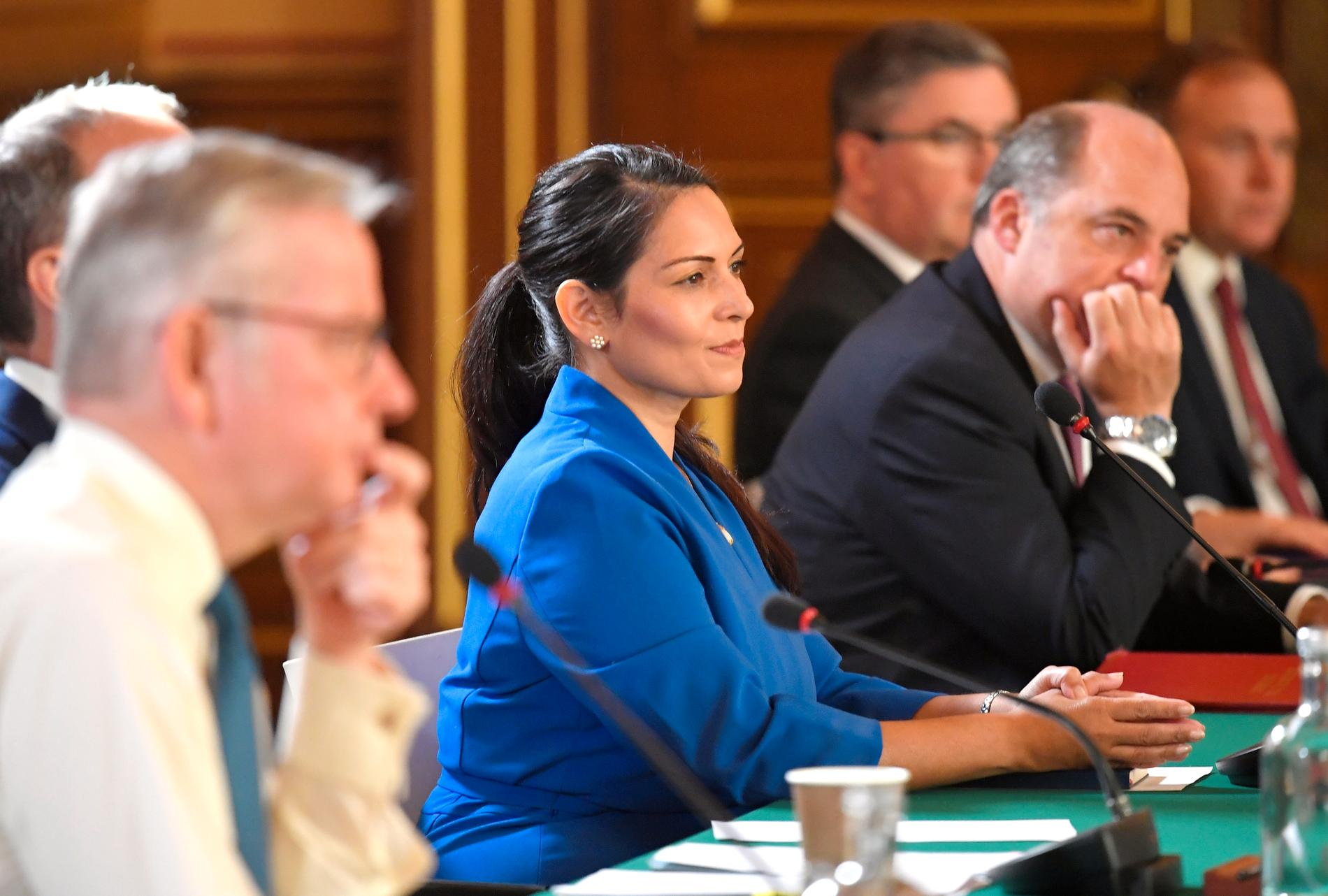 Priti Patel (i mitten) vid ett ministermöte tidigare i september.