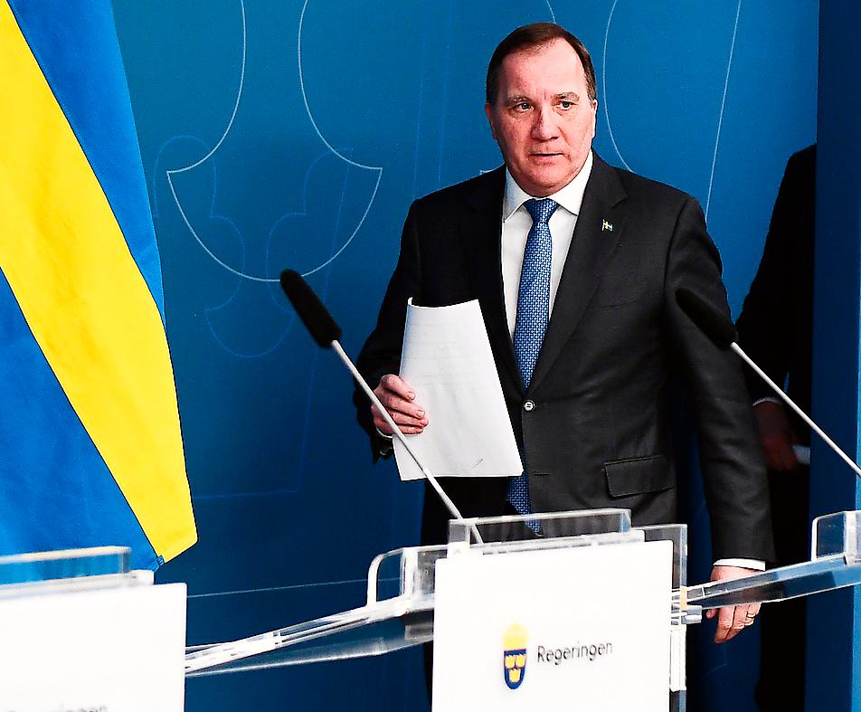 """Stefan Löfvens regering lovar 300 miljarder i stöd. """"Enormt mycket mer kommer att behövas"""", skriver Karin Pettersson."""