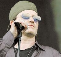 """U2-sångaren Paul Hewson, """"Bono"""", har engagerat sig för att G8-länderna ska skriva av skulderna för världens fattiga folk."""