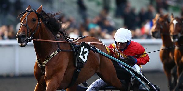 Björn Goop och Readly Express efter segern på julafton på Vincennes.