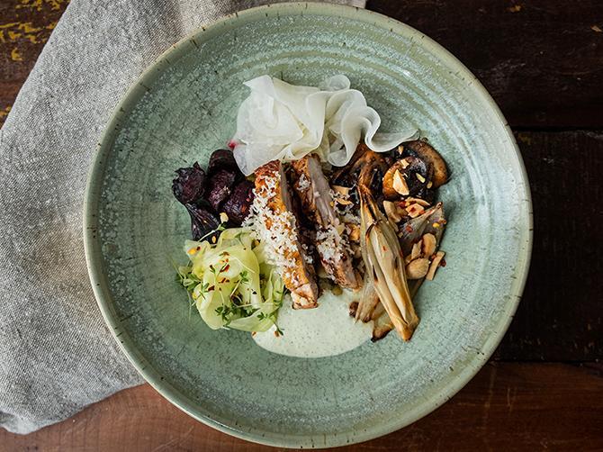 Swedish bowl med kyckling och rostade grönsaker.