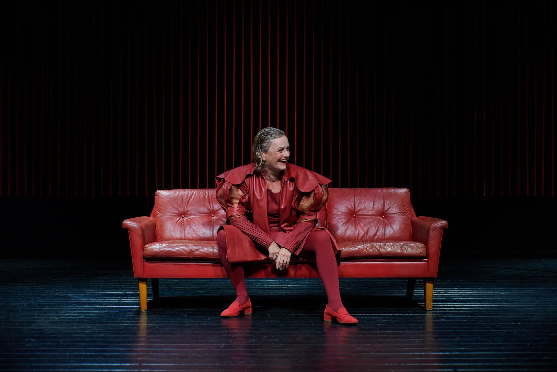Thérèse Brunnander som kung Gustav Vasa på Strindbergs Intima Teater.