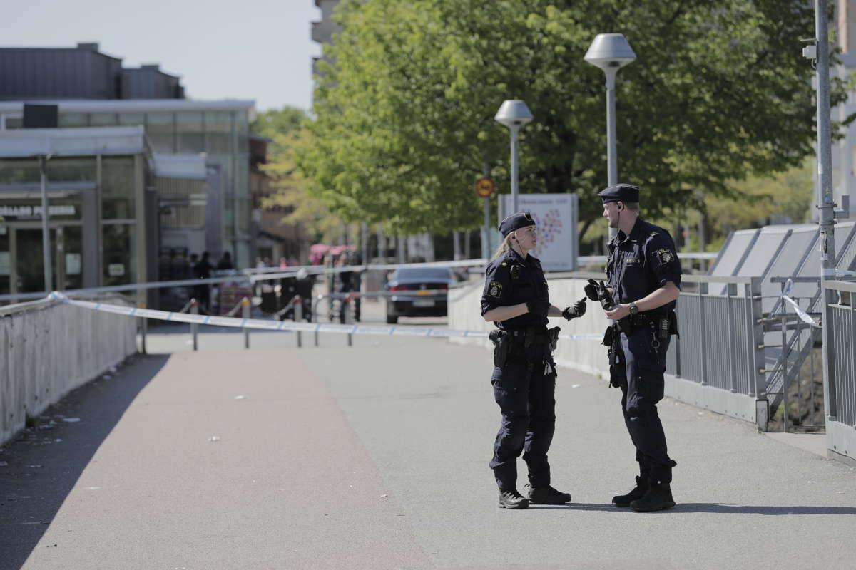 På söndagen dödades en man i Hjällbo.