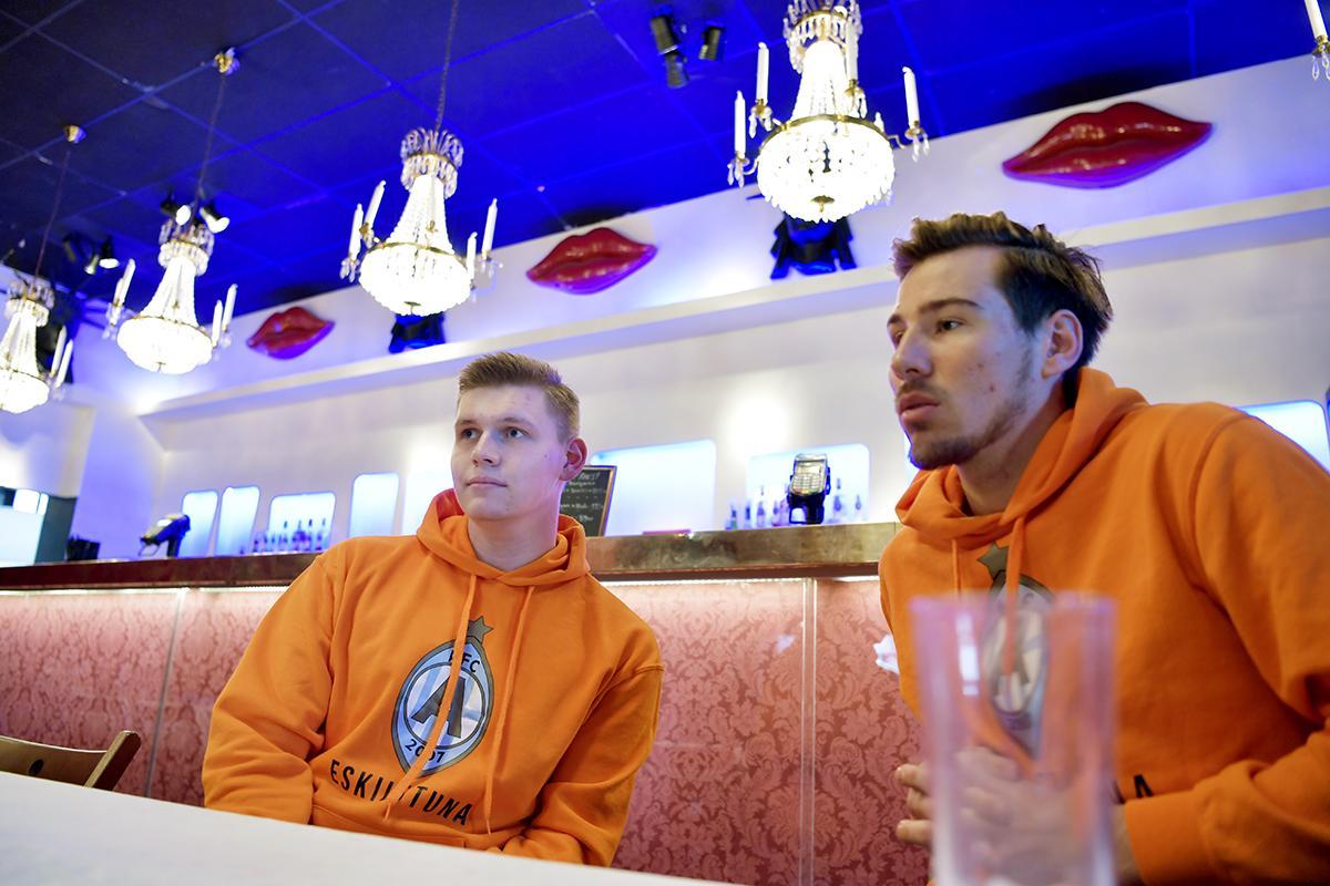 Tim Ekstrand och Gustav Oskarsson är initiativtagarna till AFC Eskilstunas supporterklubb.