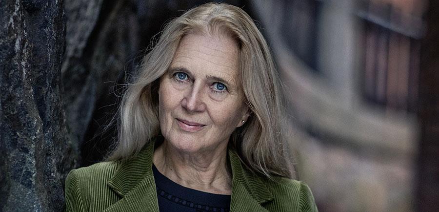 """Tidigare akademiledamoten Katarina Frostenson fortsätter i """"F"""" med sitt litterära försvarstal för maken Jean-Claude Arnault, dömd för två våldtäkter."""