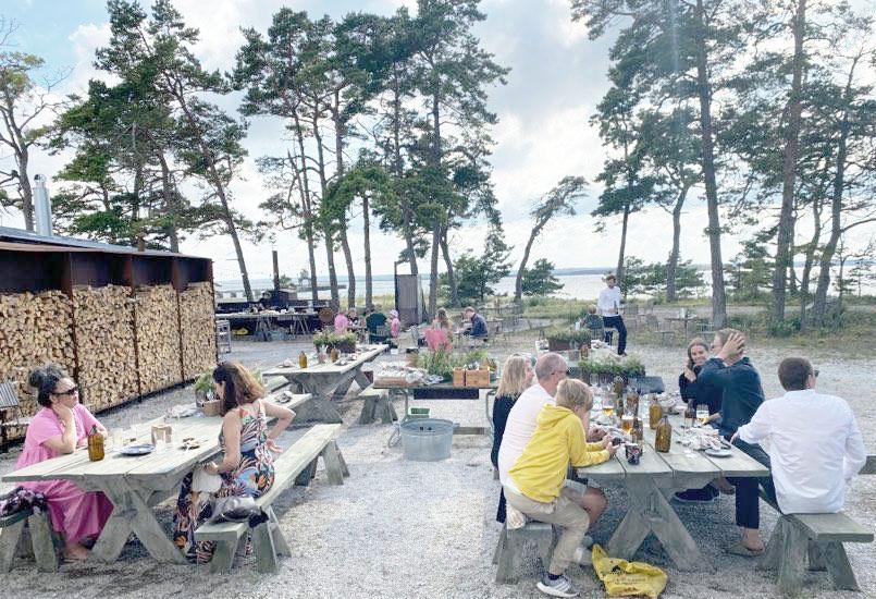 I sommar drivs Fabriken Furillen av Kalle Nilsson och Jonas Helgesson från restaurang Främmat.