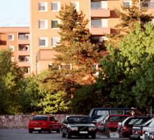 Kan bli dyrt I Gröndal i södra Stockholm skulle en tvårummare kosta 12000 kronor i månaden om marknadshyror infördes.