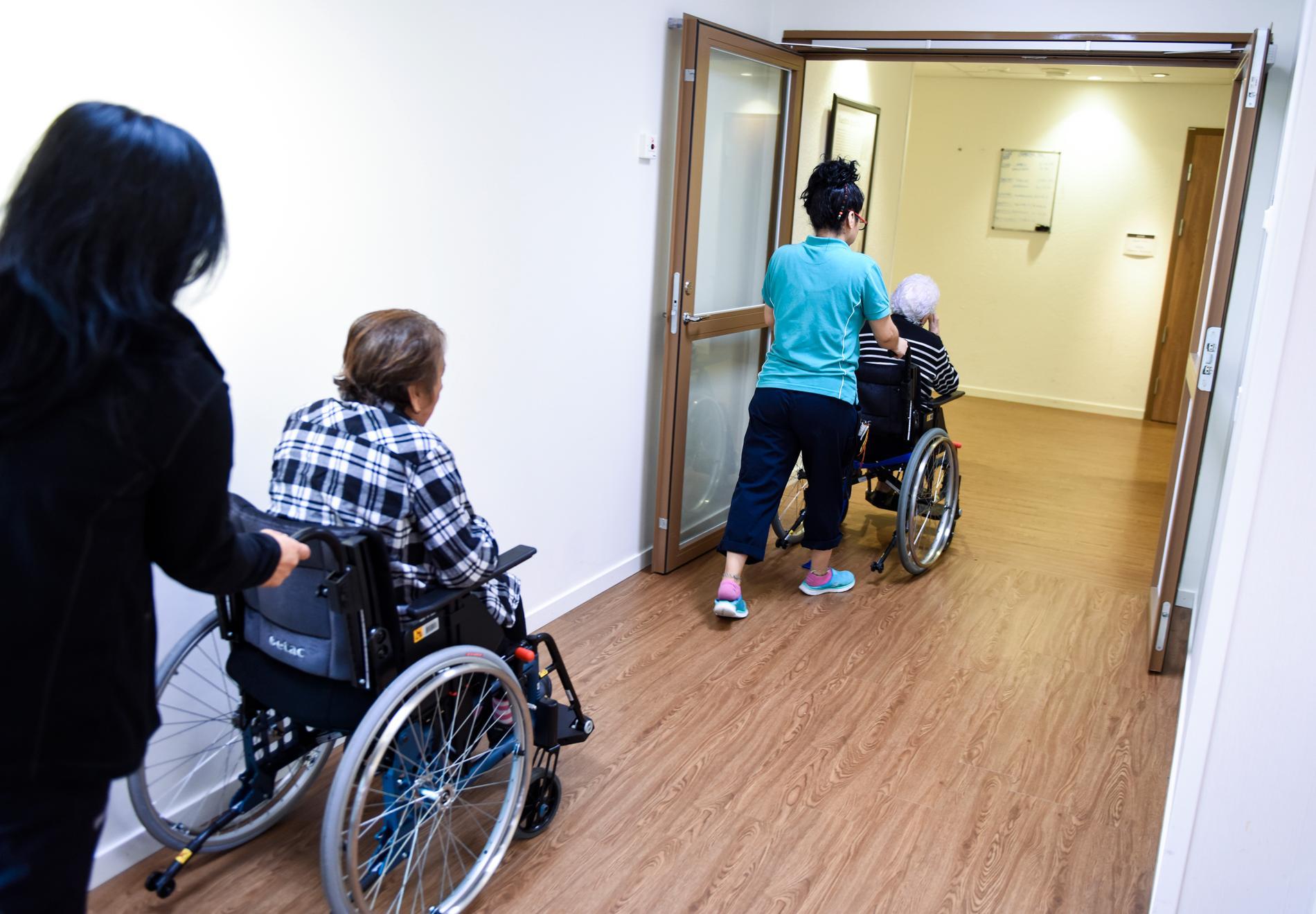I snitt bor svenska äldre ungefär två år på äldreboende, från att de flyttar in till att de avlider. Arkivbild.
