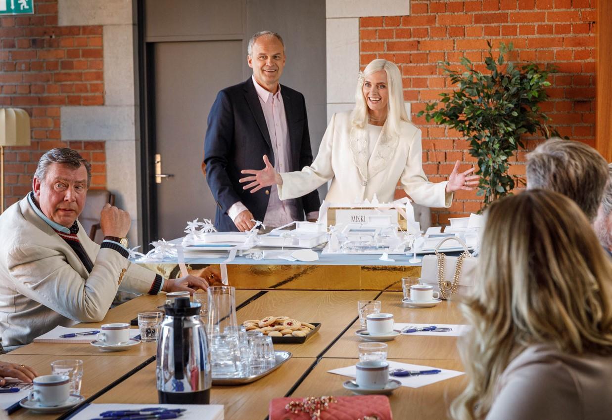 """Den senaste säsongen av """"Solsidan"""" på TV4 har premiär 17 oktober 2021"""