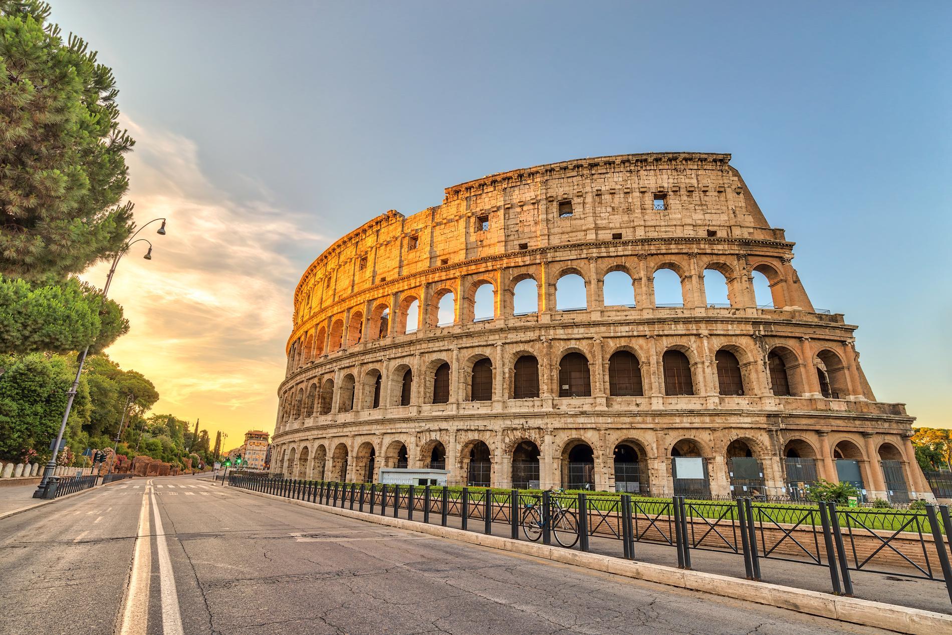 I Rom hittar vi Europas enda bidrag till listan –  Colosseum.