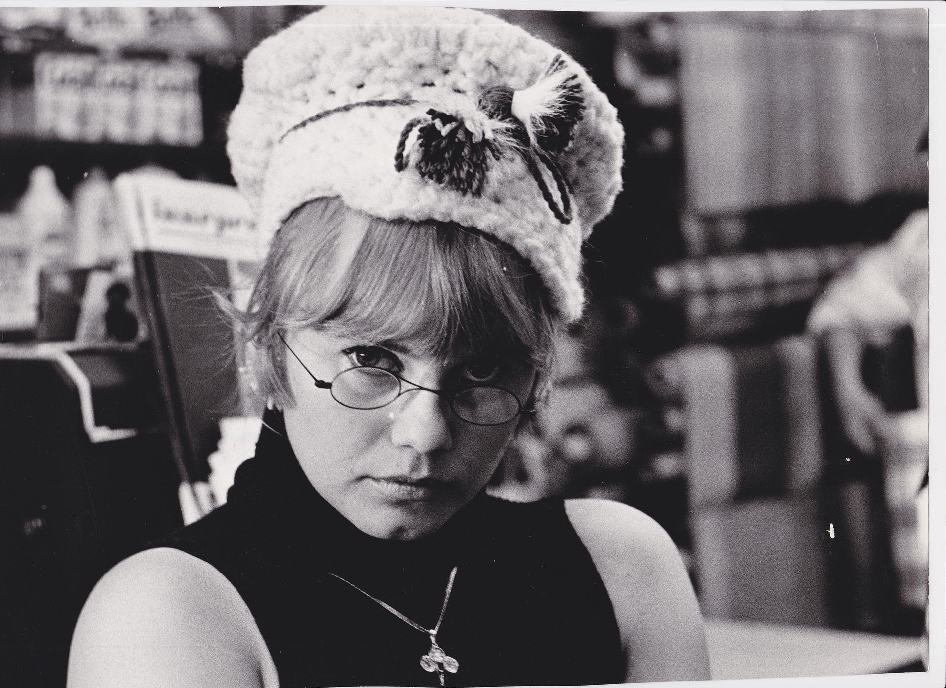 """Lena Nyman vann enguldbaggeför bästa kvinnliga huvudroll för sin roll i filmen """"Jag är nyfiken – gul"""" 1968."""