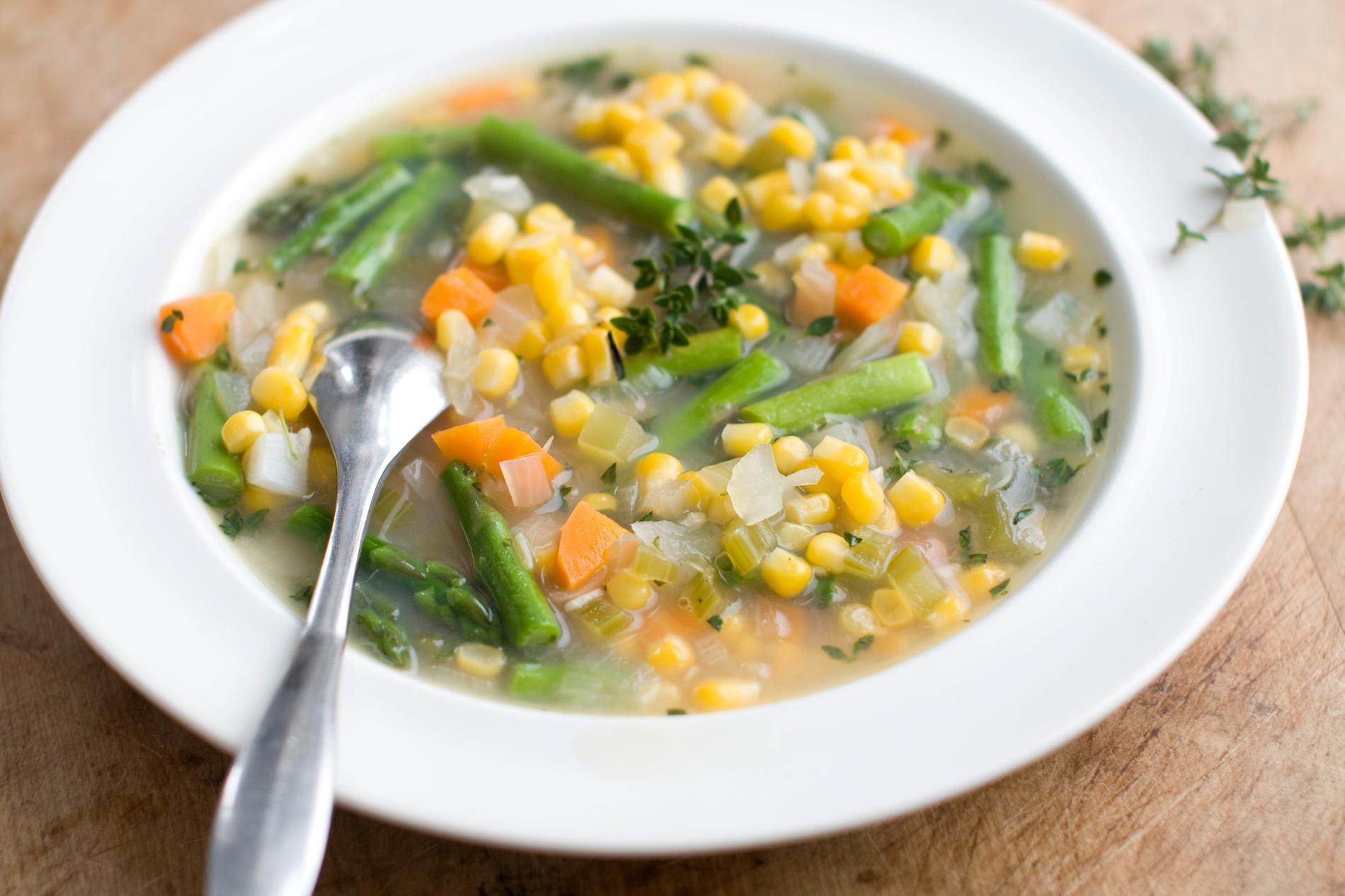Grönsakssoppa är mest populära vegetariska alternativet bland svenskarna, visar Food and Friends årliga matrapport.
