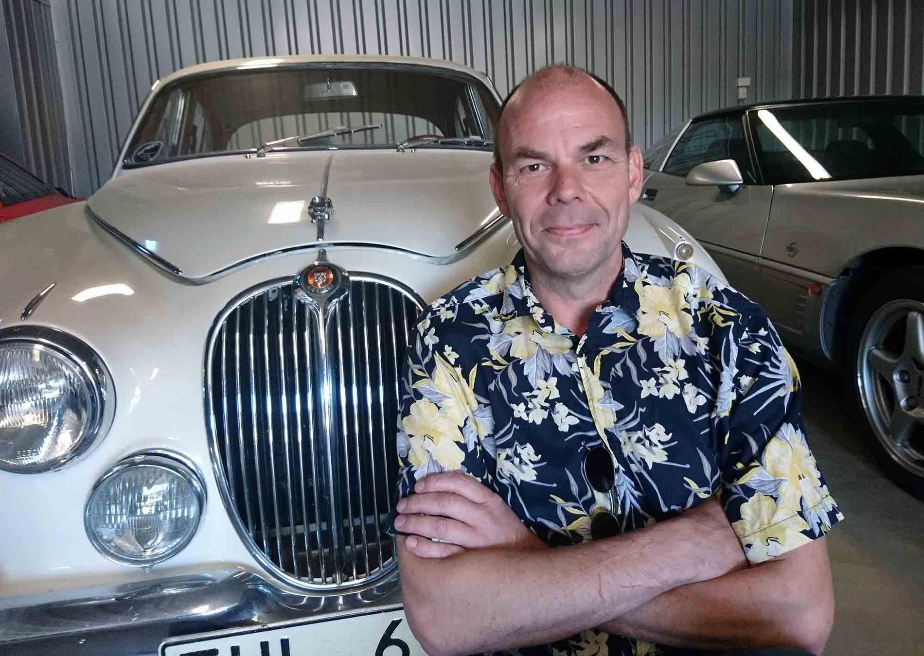 Daniel Lindell hade en sådan här Jaguar MK2 som vardagsbil för ett antal år sedan, men det var med en E-type bilintresset föddes.